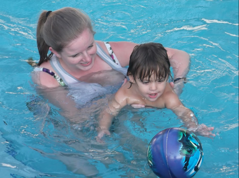 swimming lessons, swimming lesson, autistic child, swimming lesson for autistic child, autism, swimming, autism and swimming, learning to swim autism, swimming lesson for autistic student, swimming lessons for autistic child, autistic children and swimming, benefits of swimming for autistic people